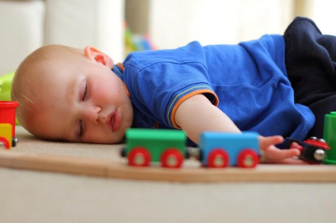 Как да помогнеш на детето да заспи през деня?