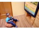 Всеки час телевизия съкращава съня на децата